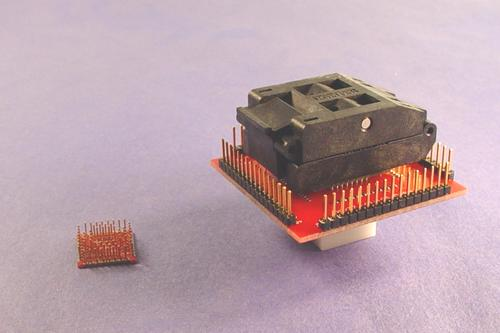 Closed top 64 pin QFP Pin Monitor Adapter